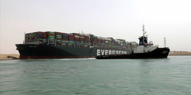 Süveyş Kanalı'nda sıkışan gemi sektörün gündemini değiştirdi