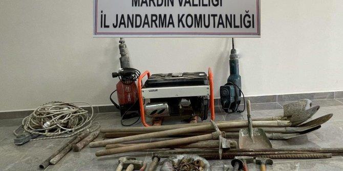 Mardin'de kaçak kazıya 5 gözaltı