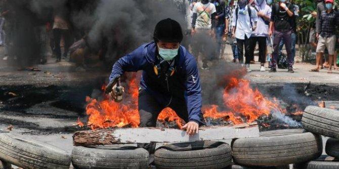 Myanmar'da 'en kanlı' günün ardından darbe karşıtı protestolar sürüyor
