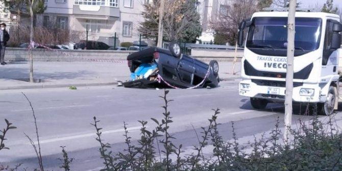 Konya'da park halindeki araca çarpan otomobil takla attı! Yaralılar var