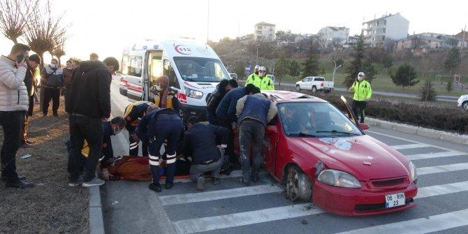 Otomobil hurdaya döndü: 3 yaralı