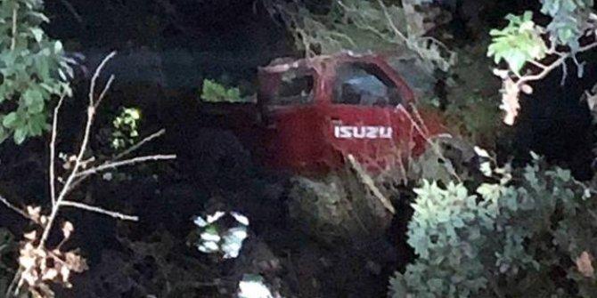 Kamyonet uçuruma devrildi: 1 kişi öldü, 4 kişi yaralandı