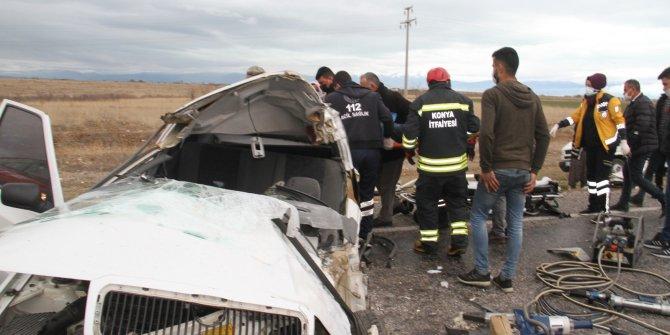 Konya'daki kazada ağır yaralanan otomobil sürücüsü hayatını kaybetti