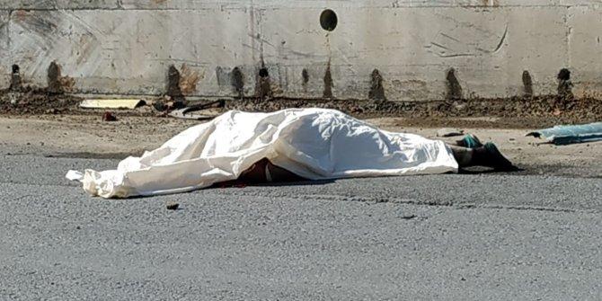 Freni boşalan kamyondan atlayan şoför, feci şekilde öldü