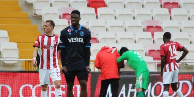 Sivasspor'da kaleci Ali Şaşal sakatlandı