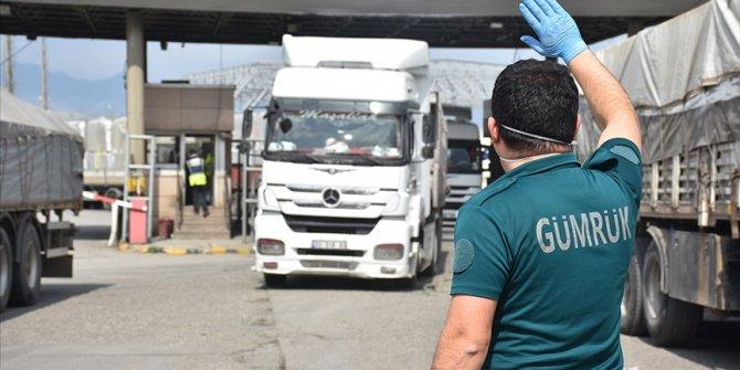 Türkiye komşularına 4,3 milyar dolarlık ihracat yaptı