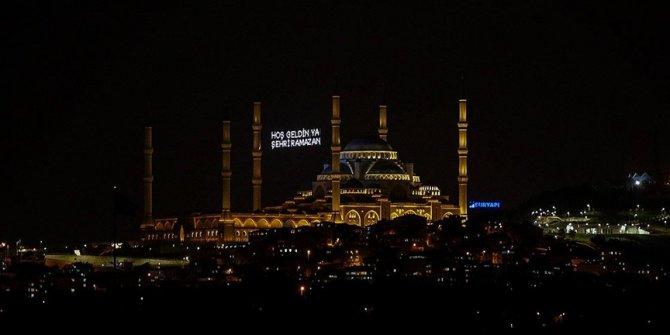 Türkiye Düşünce Platformundan Diyanet İşleri Başkanlığının teravih namazıyla ilgili kararına destek