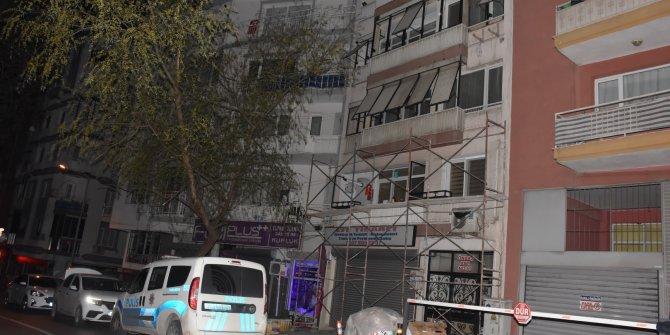 Eski sevgilisinin oğlundan kaçarken balkondan düşüp ağır yaralandı