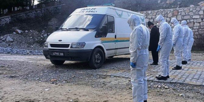 Korona virüs tedavisi gören öğretmen hayatını kaybetti