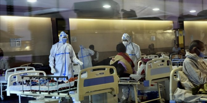 India's COVID-19 cases soar to new daily high