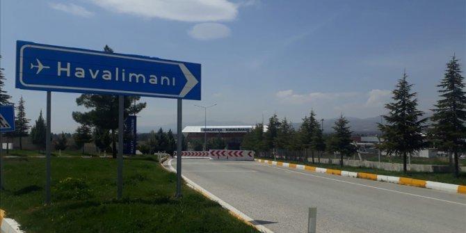 Turska: Prinudno sletio avion s turskim ministrom Bekirom Pakdemirlijem