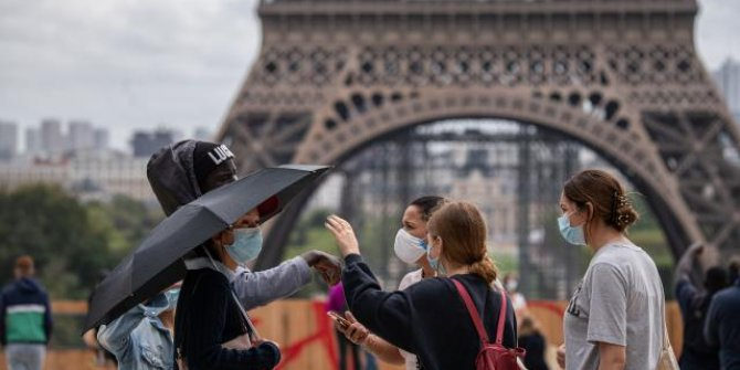 Fransa'da son 24 saatte 449 can kaybı