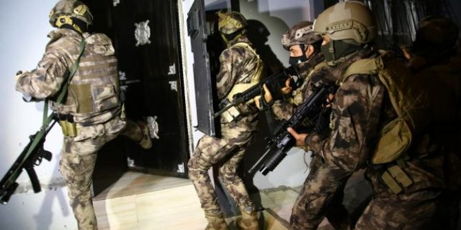 İstanbul'da FETÖ'nün hücre evlerine operasyon: 30 gözaltı