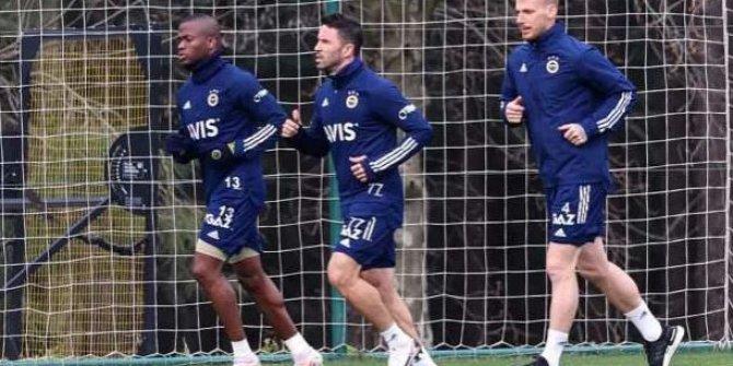 Fenerbahçe'de Gökhan Gönül sevinci