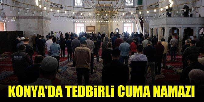 Konya'da tedbirli cuma namazı