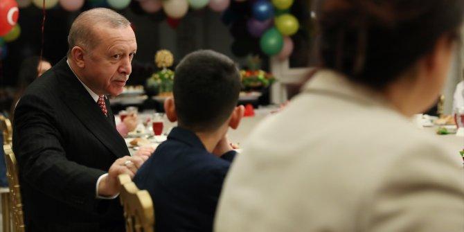 Erdoğan çifti 23 Nisan Ulusal Egemenlik ve Çocuk Bayramı'nda çocuklarla iftarda buluştu
