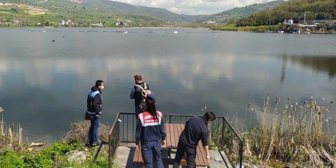 Serinlemek için baraj gölüne giren 2 çocuk kayboldu