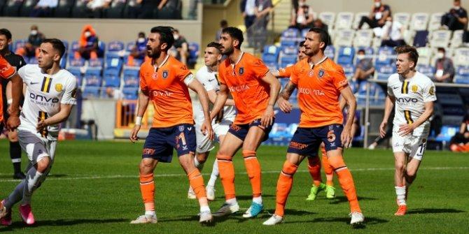 Kritik maçta Başakşehir sevindi