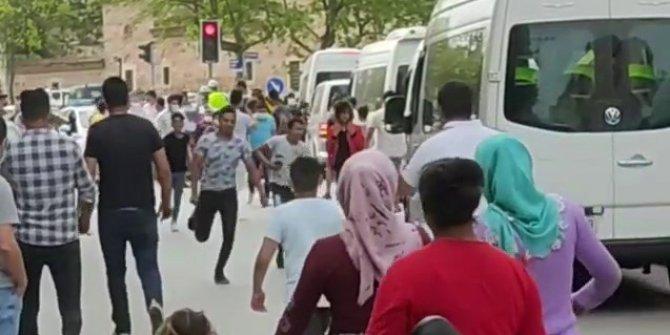 Kısıtlamada konvoy yapmak isteyen vatandaşlara polis engeli