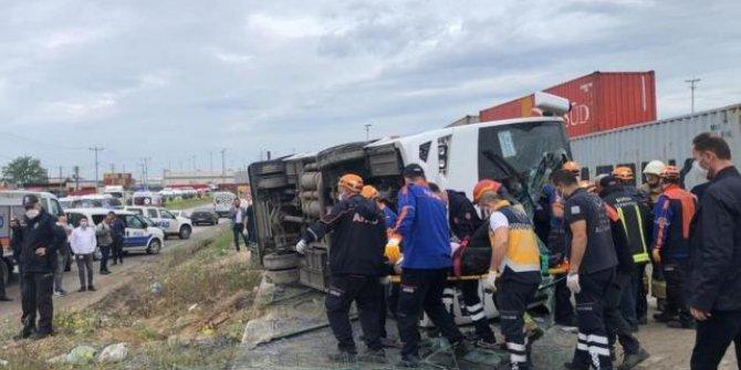 İşçi midibüsü devrildi: 1 ölü, 20 yaralı