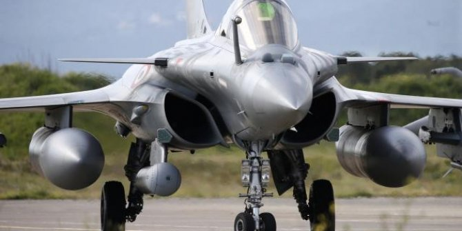 Mısır, Fransa'dan 30 'Rafale' savaş uçağı satın alacak