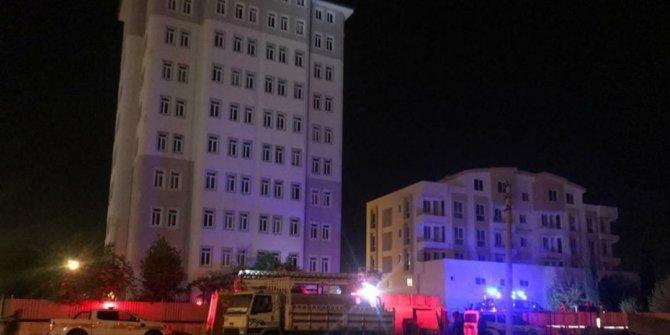 10 katlı binanın çatısında intihar girişimi