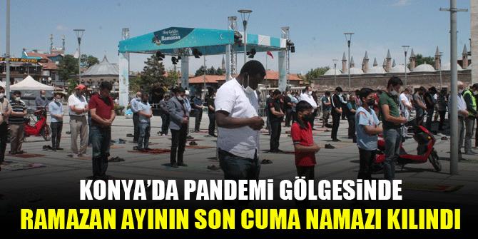 Konya'da pandemi gölgesinde Ramazan ayının son cuma namazı kılındı