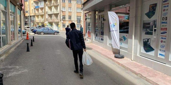AK Parti Seydişehir Gençlik Kolları Başkanlığı'ndan ramazan yardımı