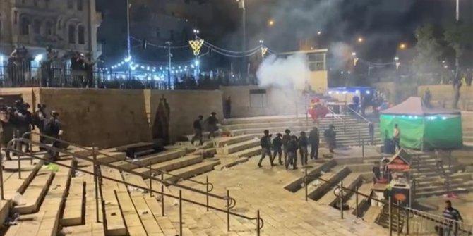 Više od 50 Palestinaca večeras povrijeđeno u napadu izraelske policije u Al-Qudsu