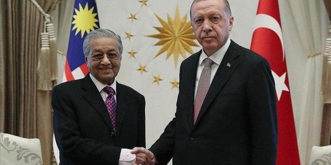 Erdogan i bivši malezijski premijer Mohamad razgovarali o napadima Izraela na Palestinu