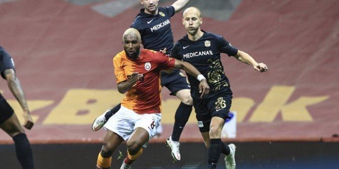 Galatasaray farkı açamadı