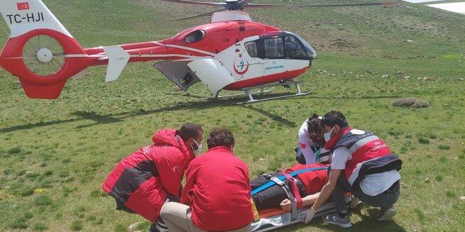 Yaylada babasının ölüm haberi ile fenalaşan kişi, ambulans helikopterle hastaneye ulaştırıldı