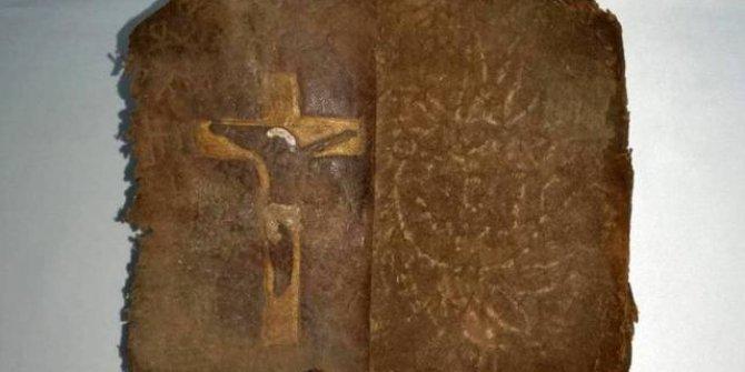13 milyon dolarlık tarihi İncil ele geçirildi