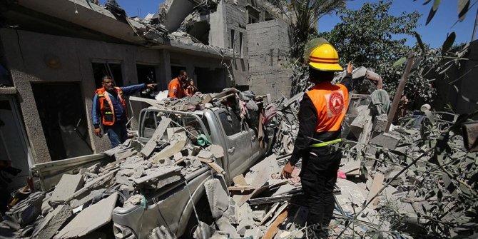 Gazze'de hayatını kaybedenlerin sayısı 61'i çocuk, 213'e yükseldi