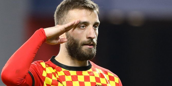 Galatasaray Alpaslan Öztürk'ü resmen açıkladı!