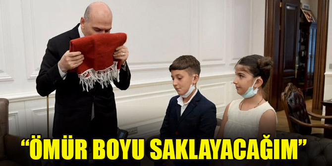 Bakan Soylu, Batman'da Türk bayrağını öpen çocuklarla bir araya geldi