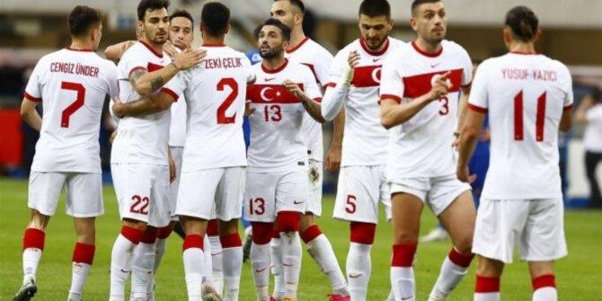İtalya-Türkiye maçının ilk 11'leri