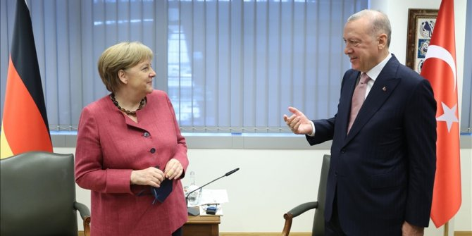 Turkish president meets German chancellor at NATO summit