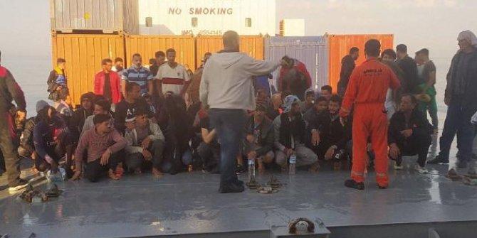 Türk kaptan Akdeniz'de 97 göçmeni kurtardı