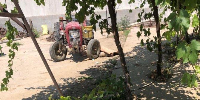 Traktörün üzerinde kalp krizi geçirip tekerin altında kaldı