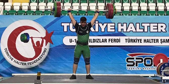 Konyasporlu halterci Türkiye şampiyonu oldu