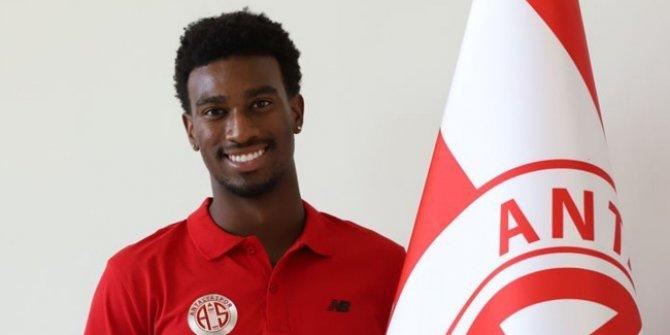 Antalyaspor, ABD'li santrfor Haji Wright ile sözleşme imzaladı