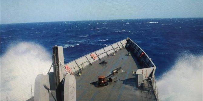 MOD Turske: Spašeno 37 migranata s potonule brodice