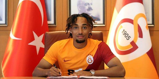 Galatasaray, Sacha Boey'i açıkladı