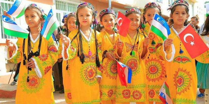 Özbekistan Rusça olan resmî dilini Türkçe olarak değiştirdi
