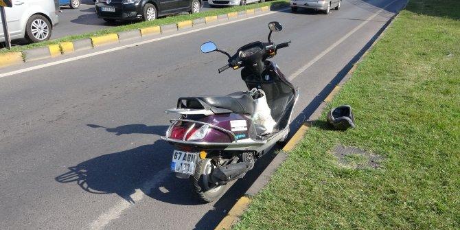 Babasını hastaneye götürmek isterken kaza yaptı