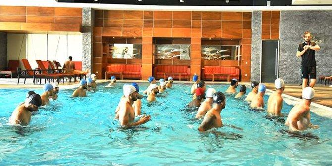 İttifak Holding Konyaspor havuzda çalıştı