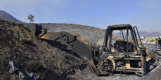 Mersin'de 2 ilçedeki yangınlar devam ediyor; havadan müdahale yeniden başladı