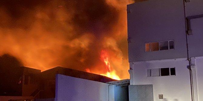 Kahramanmaraş'ta geri dönüşüm tesisinde yangın çıktı