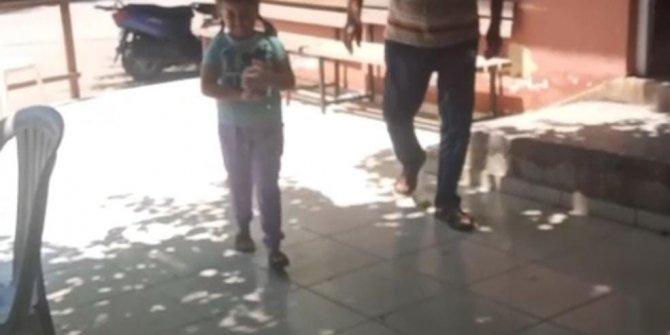 Küçük kız, kumbarasındaki biriktirdiği paraları afetzedelere gönderdi